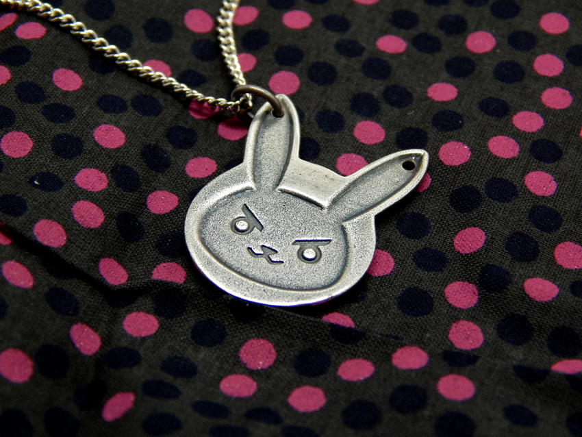 Show img overwatch bunny necklace d.va diva 006