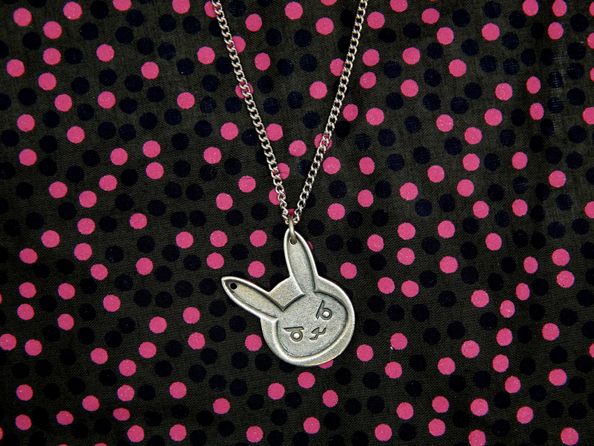 Show img overwatch bunny necklace d.va diva 003