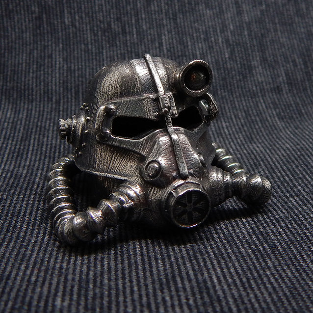 Show img fallout helmet necklace chain gift merchandise