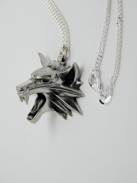 Show img the witcher medallion sterling silver 925 gaming