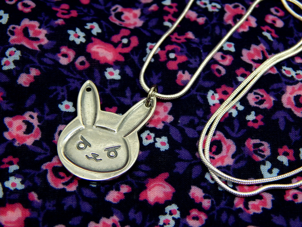 Index img overwatch sterling silver 925 d.va necklace 001