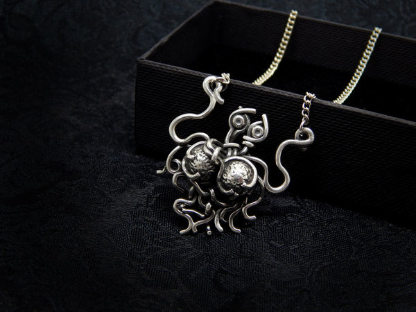 Index img flying spaghetti monster necklace silver 002