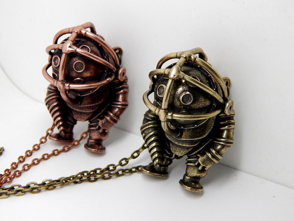 Index img bioshock big daddy rapture necklace 001